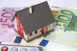 Langfristig Geld sparen durch lange Zinsbindung